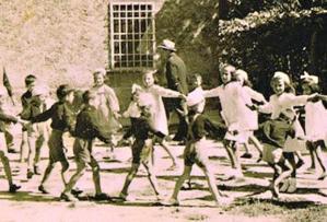 Bambini di Sant'Anna alla fine del loro ultimo anno di scuola